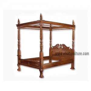 canopy bed with 4 posters