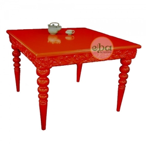 red square dining table