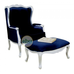 french plain with stool